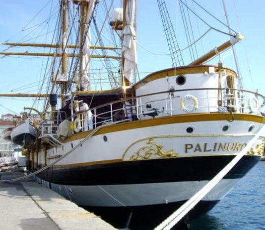 Nave Palinuro approda a Izmir