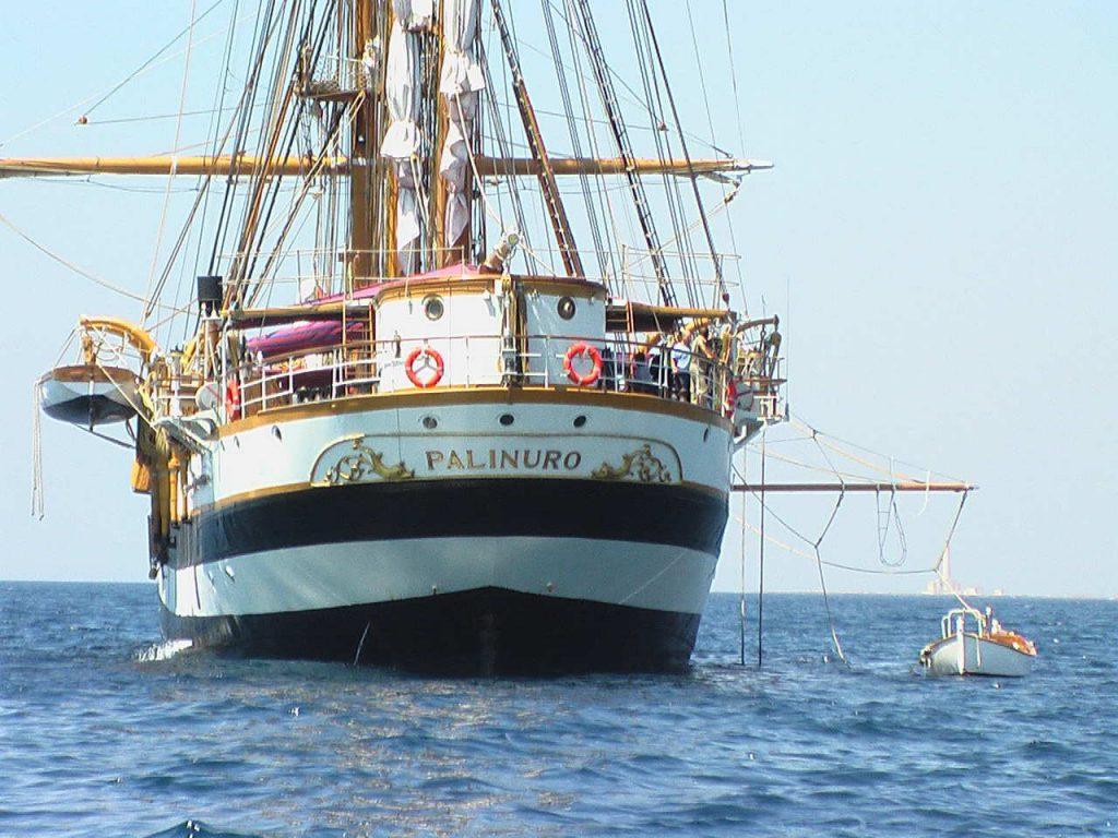 Nave Scuola Palinuro a Izmir