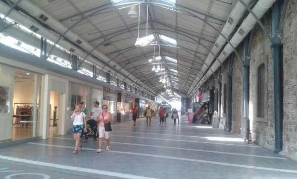 Konak Pier Le gallerie